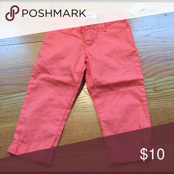 🆕 Coral capris Brand new coral capris. Button and zip closure. 100% cotton Old Navy Bottoms Casual