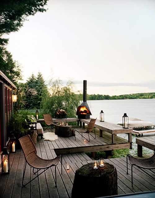 Who wouldn't love a garden deck like this?