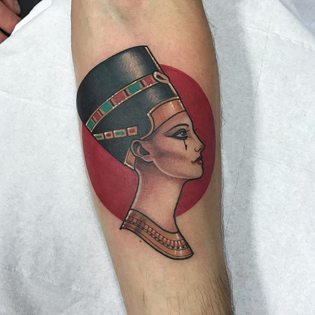 Thanks James for getting this @thetallonco @blackgardentattoo #tattoo #tattoos #egypt #nefertiti #nefertititattoo #london #londontattoo #tattooartist #instatattoo #instadaily #instagood @jamesgetborn