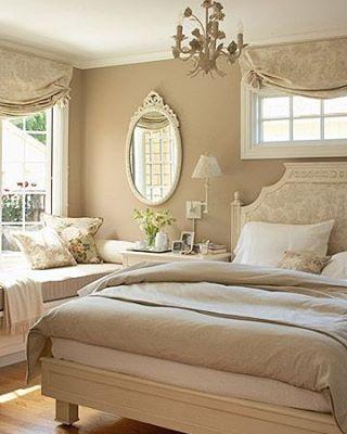 Ett sovrum i beige. #sovrum #bedroom #sängkläder #bedlinen #satin #percale #lakan #vitt #white #egyptiancotton #svenskahem #nordiskahem #heminredning #interiör #vackrahem #vackrehjem #finahem #decoracaocriativa #decor #interiorandhome #homeinterior #inredning #worldofinterior