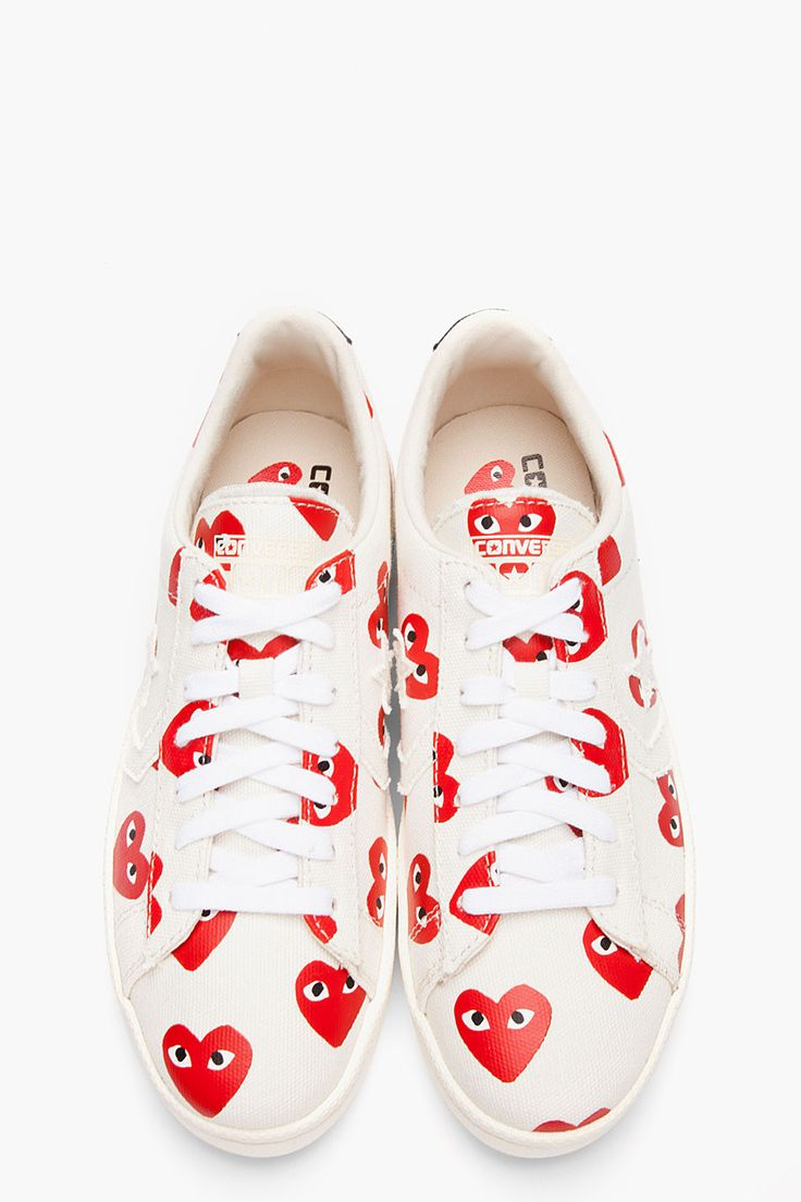 cdg converse hearts all over