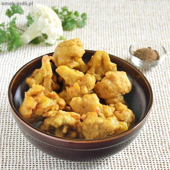 """Chrupiące aromatyczne przekąski, zwane pakora(możemy również spotkać się z nazwąpakoda) znajdziemy prawdopodobnie w menu każdej restauracji, która serwuje potrawy kuchni indyjskiej. Pakory są z pewnością również najbardziej popularnym """"szybkim jedzeniem"""""""