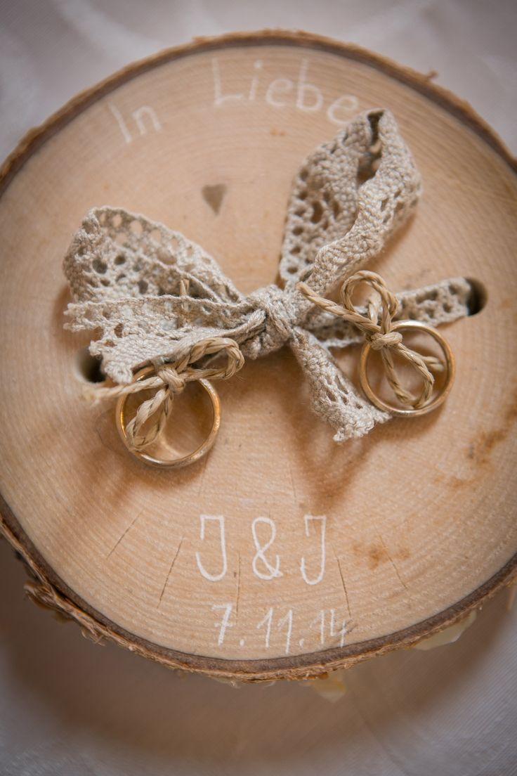 Hochzeitsringe bei einer Zeremonie in der nähe von Potsdam von wildwedding.info
