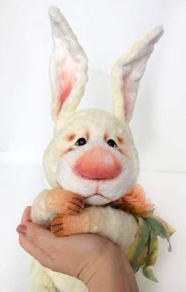 Matti By Bronnikova Tatiana - Rabbit sewn from soft viscose. made in Italy. The color is very beautiful, a hint of vanilla and pale lemon (photo does not convey the exact color of the rabbit). The ears on the wire frame, bent. The face rabbit made by many different contractions. Glass eyes, eyelids are made of needle f...