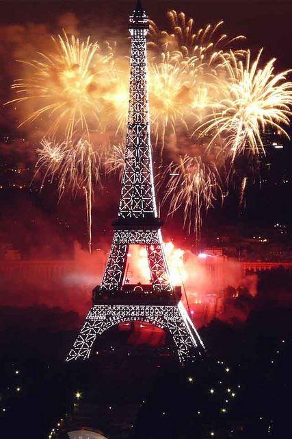 La Tour Eiffel, un 14 juillet                                                                                                                                                      Plus