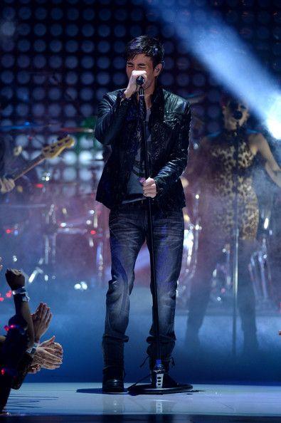 Enrique Iglesias Photos  - 5th Annual TeenNick HALO Awards - Show - Zimbio