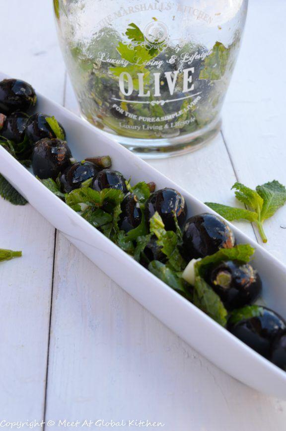 маринованные оливки с мятой и кинзой