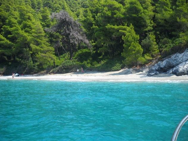 Love Skopelos Island....Greece  http://www.glafkisdolcevita.com/travel/skopelos-drecce.html