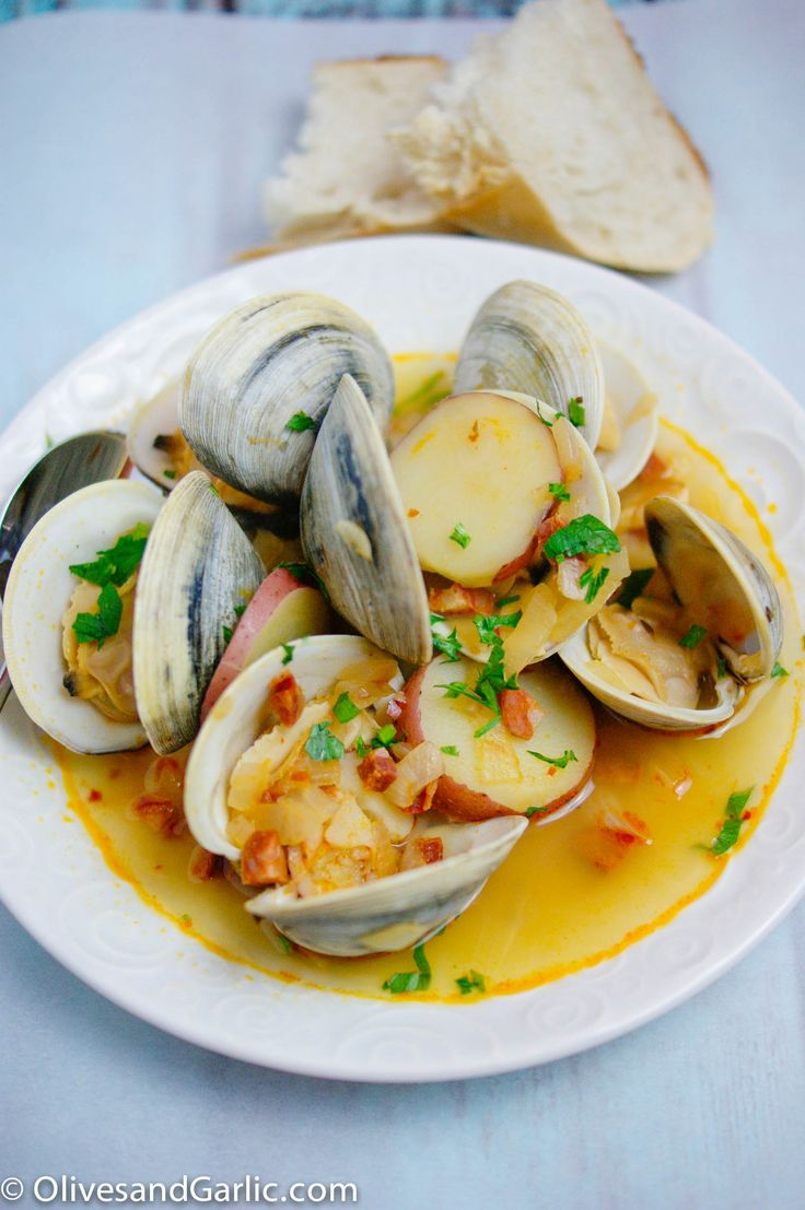Steamed clams with Chorizo & white wine broth