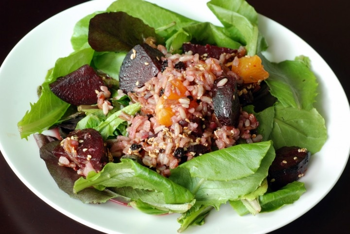 Roasted Beet, Orange and Brown Rice Salad with an Orange SesameVinaigrette: Red Beets, Orange Sesame Vinaigrette, Brown Rice Salad, Food Porn, Beets Bleeding, Conscious Foodies, Roasted Beets, Healthy Eating, Golden Beets