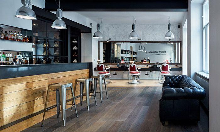 OOOOX navrhlo interiér Barbershopu Tony Adam's