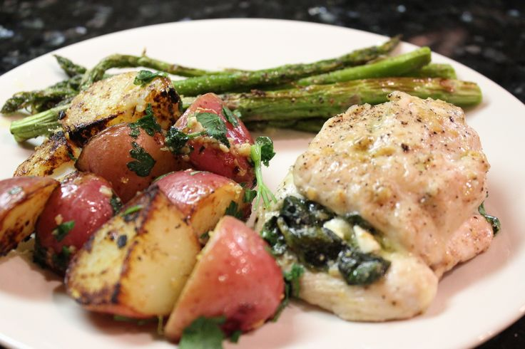 Spinach and Feta Cheese Stuffed Chicken | food | Pinterest
