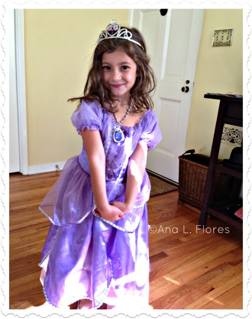 Must-Haves For a Sofia-the-First-Obsessed Girl #sofiathefirst