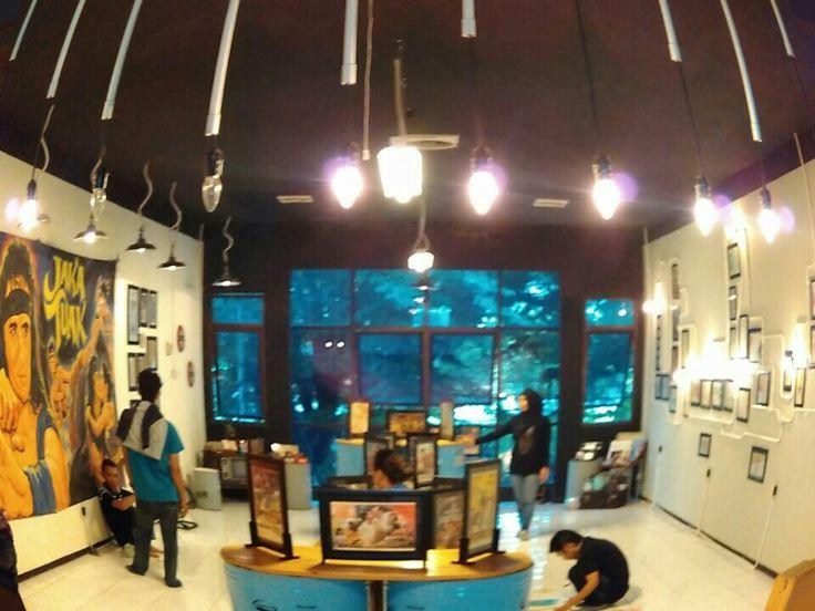 Pameran Poster Film Bioskop @ MLG cafe di Malang, Jawa Timur