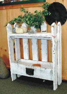 Cute Picket Fence style planter with shelf~