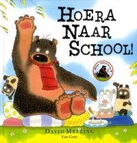 Hoera naar school! - Beer Dorus gaat voor het eerste naar school. Na een goedemorgenknuffel mogen de dierenkinderen verven, elkaar schoonspuiten en een heel hoge toren bouwen. Wat is school leuk!
