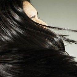 Los beneficios del aceite de argán para el pelo son extraordinarios. Aprende a usarlo adecuadamente según tu tipo de cabello y aprovecha sus propiedades.