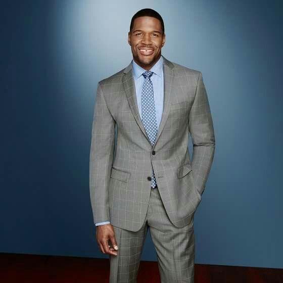 "Movin' On Up! Michael Strahan (@michaelstrahan) Leaves ""Live W/ Kelly & Michael"" (@KellyAndMichael) for ""Good Morning America! (@goodmorningamerica)"" www.HeyMikeyATL.com #CelebrityNews #MichaelStrahan #LiveWithKellyAndMichael #GMA #GoodMorningAmerica #television #tv #KellyRipa #HeyMikeyATL #HeyMikey #ABC #atlantablogger #celebritynewsblogger written by @heymikeyatl #MichaelJFanning"