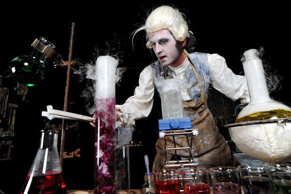 FAHRENHEIT | nietypowe połączenie teatru i laboratorium