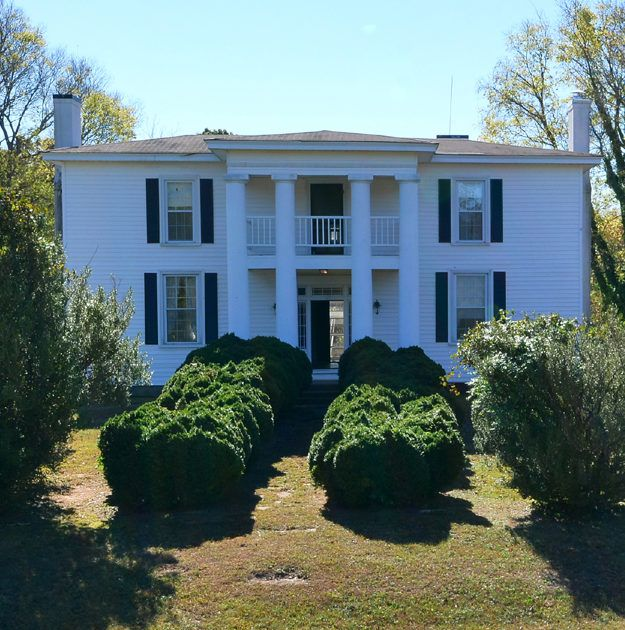 ELEGANT, SOUTHERN PLANTATION (CIRCA 1859) SITUATED ON 50 BEAUTIFUL ACRES. THIS INCREDIBLE HOME IS ABSOLUTELY AMAZING!!! FROM THE MOMENT YOU WALK IN, IT TAKES YOU BACK IN TIME. ORIGINAL HEART OF PIN…