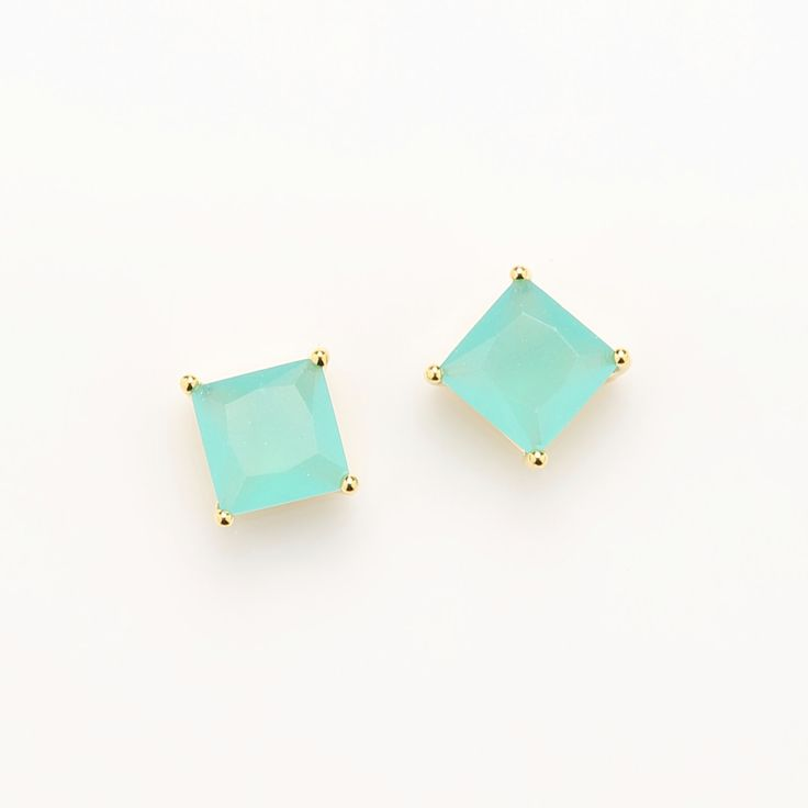 - Tarnish Resistant 16k Gold Plated Brass - Stone Color: Mint - Material: Brass, Glass - Dimension: 8mm x 8mm / 0.7g - Pkg: 2pcs  If you have a question or anything else, please contact us. Thank you.  * The first 4 digits are the item number so if you want another color of the same design, please search with the 4 digit numbers. Thank you.   * All photos are property of OBC. Use of these photos is prohibited unless permission is granted by OBC.