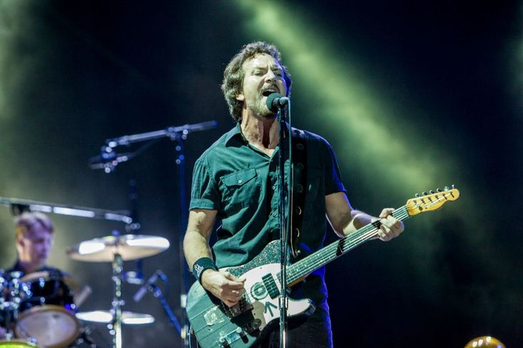 Pearl Jam Perform 'Ten' in Its Entirety at Philadelphia Concert