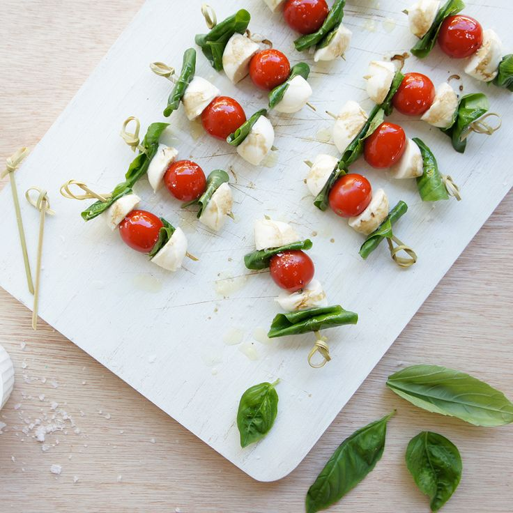 These Tomato Bocconcini Balls by jillhk are #bellissimo!