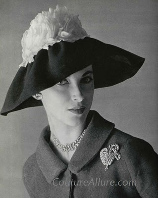 .: Couture Allure, Fashion Vintage, Fashion Photos, Vintage Fashion, Allure Vintage, 1950 Hats, Vintage Hats, Fashion Photography, Rose Valoi