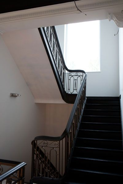 14 best images about escalier on pinterest frances o 39 connor villas and photos. Black Bedroom Furniture Sets. Home Design Ideas