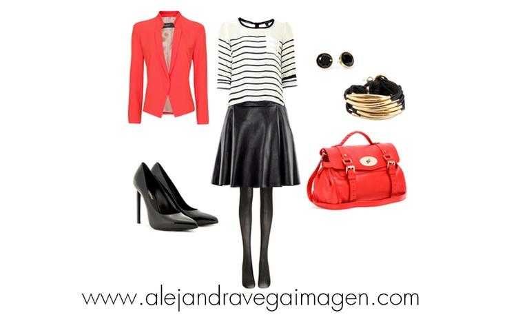 Este look puede funcionar para un encuentro con amigas en el día, acompáñala con unos lindos tacones y un blazer.
