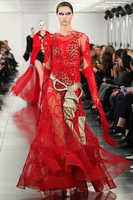 17 best images about maison margiela pour john galliano on for Galliano margiela