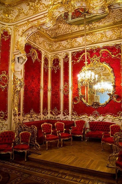 Red And Gold Room A Bit Much For Me But I Love The Color Combination Chairs Mes Enfants Pinterest Versailles Palace Of