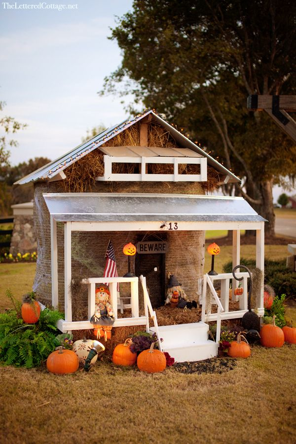 Hay bale decorating house autumn pinterest for Bales of hay for decoration
