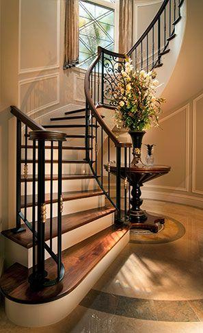 Amo la escalera, solo diferente herreria y pasamanos