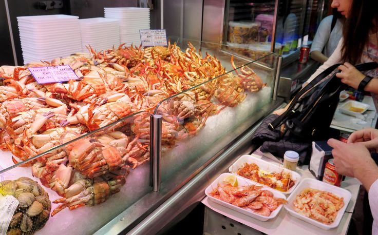 La Latina's Seafood Party in Marcado de la Cebada: The Place to See and be Seen! - Madrid, Spain