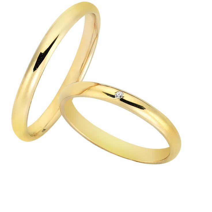 Μάρκα:Vivere Καράτια:9ct, 14ct, 18ct Βάρος Ανδρικής:2.80γρ Βάρος Γυναικείας:2.50γρ Χρώμα:Χρυσό, Λευκόχρυσο, Ροζ χρυσό Φινίρισμα:Γυαλιστερό Χρόνος παράδοσης:8-10 ημέρες Εγγύηση:Από την επίσημη αντιπροσωπεία Vivere  Οι βέρες αποστέλλονται σε πολυτελή συσκευασία  Η τιμή ισχύει για το ζευγάρι  Η τιμή έχει υπολογιστεί με βάση τα νούμερα, γυναικείο έως No55 και ανδρικό έως No63, για μεγαλύτερα νούμερα η τιμήενδέχεται να αλλάξει