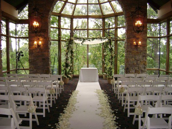 Loch lloyd country club kansas city wedding ceremony for Places to have a small wedding