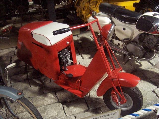 Vintage Cushman Scooters 72