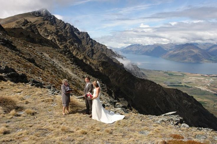 Lisa & Simon. December 2007. The Spur, The Remarkables. Photograph By Alpine Image Co.