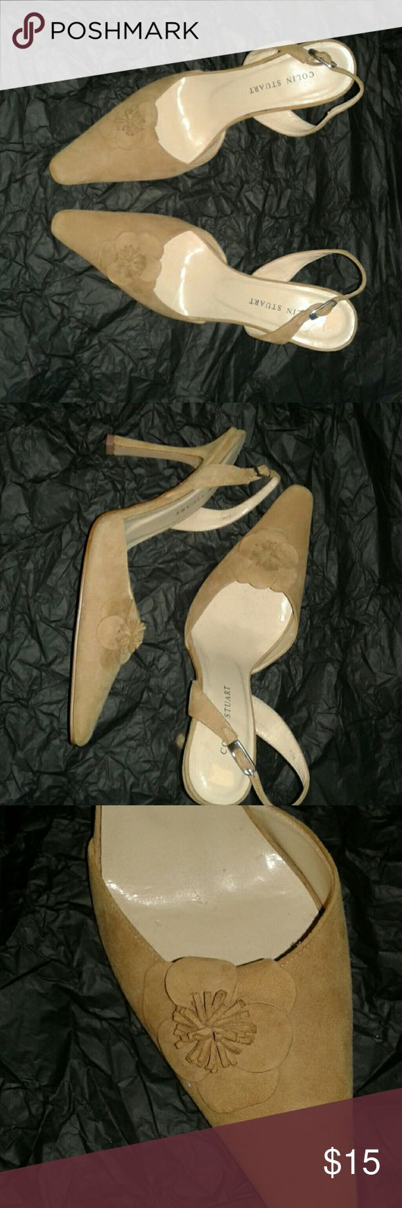 Colin stuart tan heels Tan heels by COLIN STUART with a lovely flower on both tips of the shoe in good condition Colin Stuart Shoes Heels