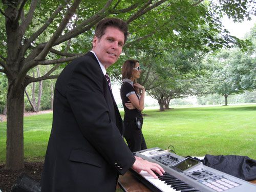 Looking to hire keyboard players in NJ? Well, look no more as Arnieabramspianist.com offers the most professional and talented keyboard players to perform in weddings, private parties, corporate functions, holiday events, cocktail parties, etc. Please visit our website to learn more about us.