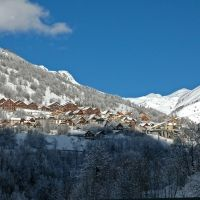 Vaujany | Site Officiel des Stations de Ski en France : France Montagnes - Famille Plus  http://www.france-montagnes.com/station/vaujany