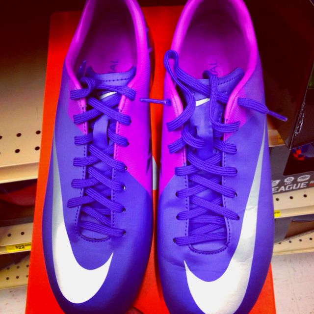 New cleats :) I have them in white and neon green!!