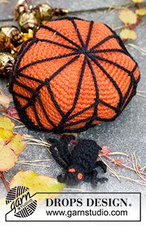 """DROPS Halloween: gehaakte DROPS mand met spinnenwebben en spin van """"Nepal"""". ~ DROPS Design"""