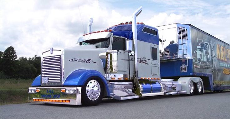 Im not a trucking person, but you cant help but admire the old kenworths...