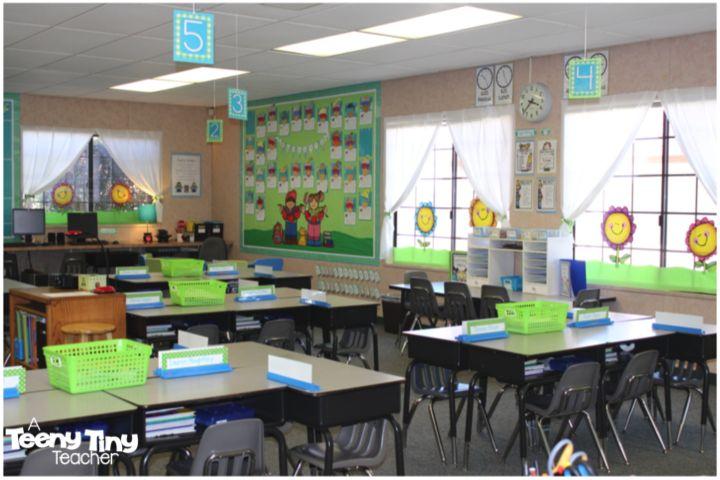 Collaborative Classroom Jobs : Classroom photos with library and teacher name flag