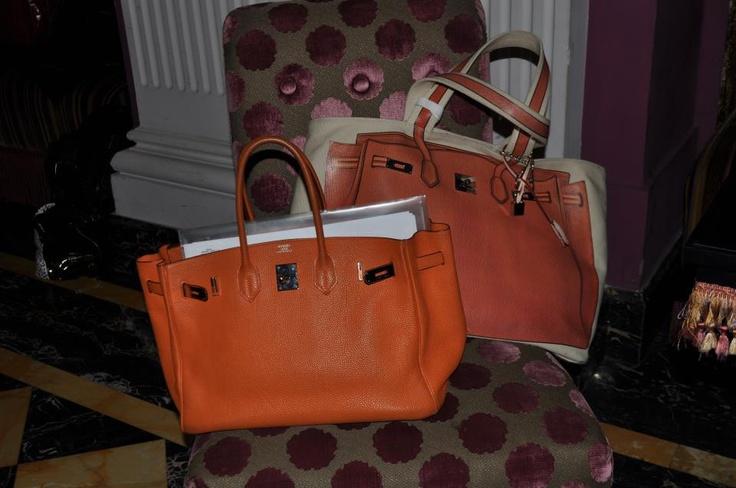 Like sisters?? Thanks to Erica! V73 Classic 01 Orange http://www.v73.us/classic-collection-n-01/166-orange #v73 #bag #birkin #hermes #fashion #v73mood