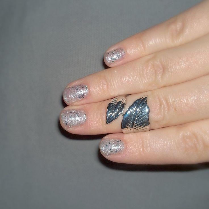 Bling!!! Silverglitter with extrabling by #sensationail #gelfanatic #glitterfanatic ;) Geelilakkaus jossa on glitteriä, glitteriä ja vielä vähän glitteriä. :D