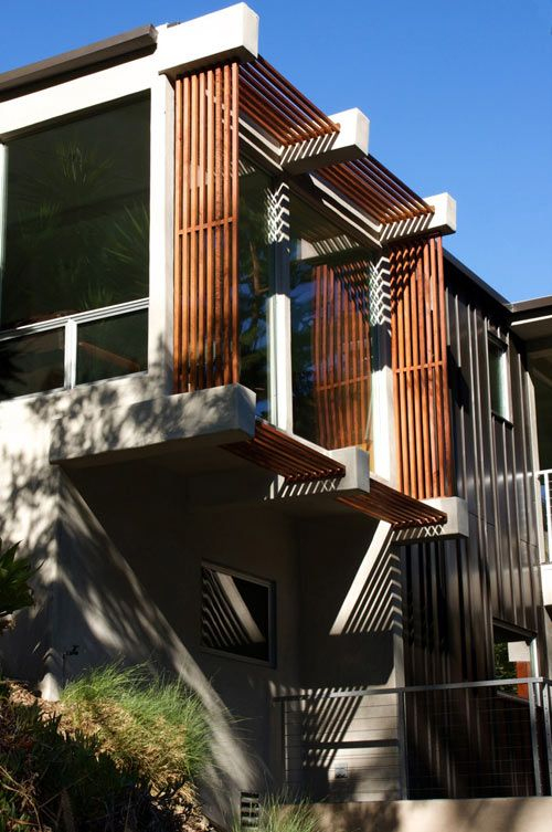Idea per brise-soleil in legno! Parks House in California by Michael Parks