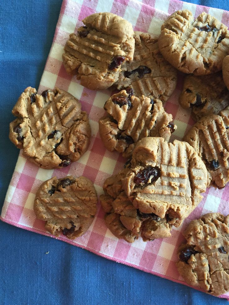 Cinnamon Raisin Nutbutter Cookies! Your favorite breakfast treat in cookie form. Uses Otto's Cassava Flour.